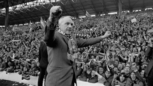 bill-shankly-liverpool-anfield-the-kop_3360625.jpg